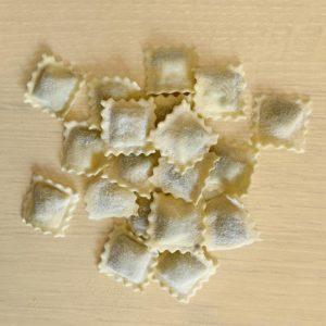 Ravioli ripieni pasta fresca ripiena