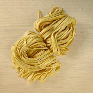 Tagliatelle all'uovo pasta fresca